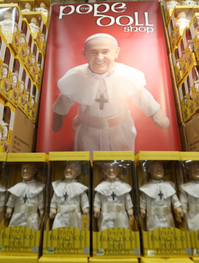 Pope dolls and stained-glass Skodas: Day 1 at the World Meeting of Families