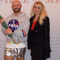 People are outraged by this bloke's decision to meet Britney dressed as the '2007 version'