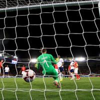 England avoid fourth straight defeat as Rashford strike neutralises Swiss