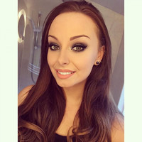 What's in my makeup bag? Ailsha Davey (Flawless And Pawless)