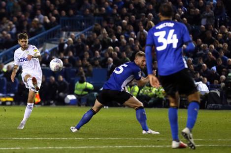 Leeds United's Mateusz Klich scores his side's equaliser.
