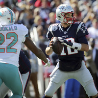 Brady's emphatic Patriots reassert themselves over Dolphins, while Titans, Texans and Cowboys pull off close wins