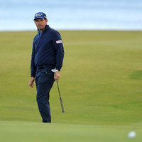 Harrington and McGinley use all their experience to battle the Scottish wind