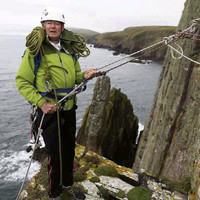 Mícheál Ó Muircheartaigh abseiling, Drake backing McGregor and more Tweets of the Week