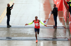 Mo Farah shatters European record en route to Chicago Marathon victory