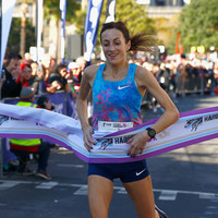 Mayo native Sinéad Diver smashes course record and personal best to win Melbourne marathon