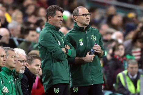 Roy Keane and Martin O'Neill during last night's game against Wales in Dublin.