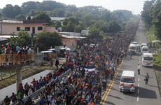 'Si se pudo!' 5,000 migrants march past Mexican forces toward US border