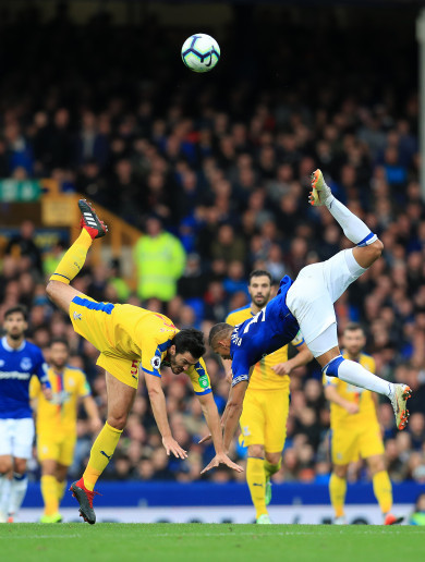 Palace miss penalty and lose to late Everton double