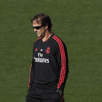 The sack looms for defiant Real Madrid boss Lopetegui ahead of El Clasico