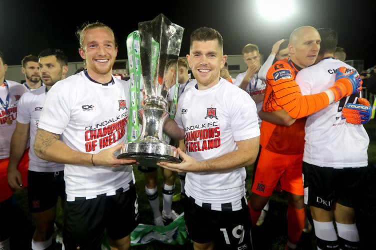 Murray (right) holds the SSE Airtricity League title at Oriel Park.