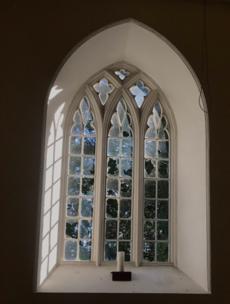Garda probe after Offaly Church of Ireland parish has over 100 windows smashed