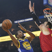 Durant sets aside altercation with Green to sink 29 points in Warriors' victory over Hawks