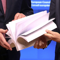 The draft Brexit deal is 585 pages long. What's in it and what happens now?