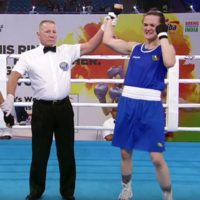 Kellie Harrington stuns home crowd as she books place in World Championship quarter-finals
