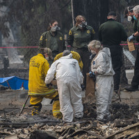 77 dead, 993 missing and 10,000 homes destroyed as California waits on rain