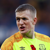 Neville questions Pickford's ability to replace De Gea at Man United