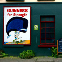 7 of the best old-fashioned pubs around Ireland, according to the man who knows best