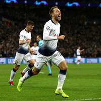 Super sub Eriksen keeps Tottenham's Champions League hopes alive