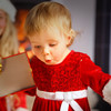 Put Santa on a budget : 7 smart tips for avoiding Christmas overload in your house