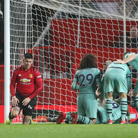 Much-changed Man United earn draw with Arsenal in error-ridden clash