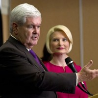 Newt Gingrich bows out of US presidential campaign