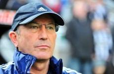 Pulis stands by Pennant despite off-field issues