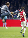 Thomas Müller shown straight red for awful challenge in 6-goal Ajax-Bayern thriller