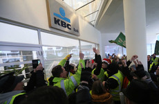 'Yellow vest' protesters demonstrate at KBC headquarters as gardaí probe Dublin attacks