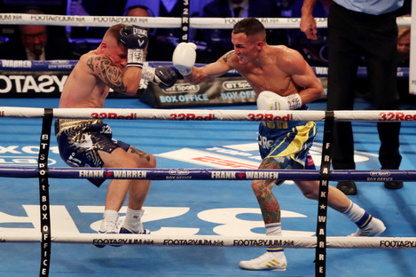 Warrington launched an early onslaught on Frampton.