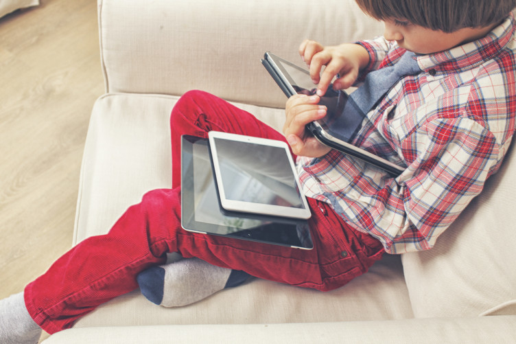 The study suggests building screen time around family activities.