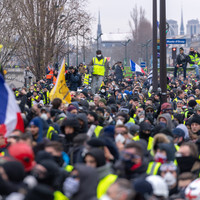 Former pro boxer arrested after attack on police officers during Paris yellow vest protest