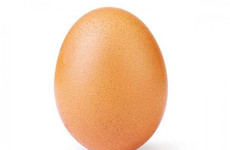 This picture of an egg is now the most liked post on Instagram