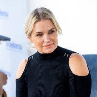 Yolanda Hadid's selfie shows older women it's ok to reject beauty norms