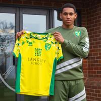 Norwich complete signing of teenage Drogheda midfielder