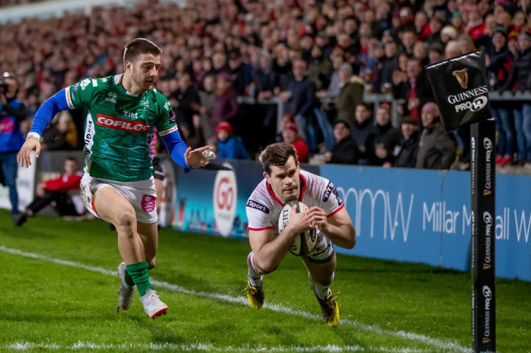 Louis Ludik dives over for Ulster's first try.