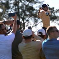Top-ranked Rose holds off Scott to win Farmers Insurance Open