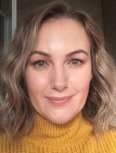 What's in my makeup bag? Sally Foran (Irish Beauty Fairy)