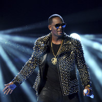 R Kelly deletes tweet announcing Australia and New Zealand tour amid backlash