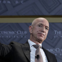 What's going on with Jeff Bezos, a tabloid magazine, Donald Trump and alleged blackmail?