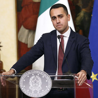 Italy's deputy prime minister defends meeting with France's yellow vests