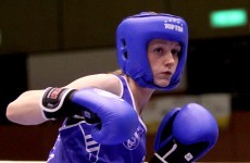 Smith into last 16 at the World Championships