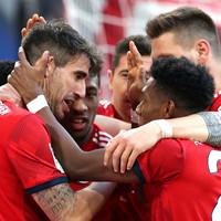 Martinez sends Bayern level at top of Bundesliga