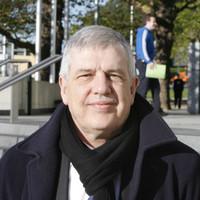 Liam Adams dies in custody of terminal cancer aged 63