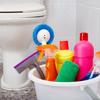 How do I get my bathroom looking properly clean?