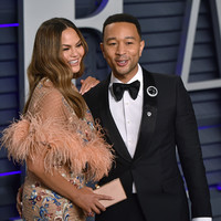 'Chrissy Teigen finally got fed up with a question interviewers ask John Legend, and she's got a point'