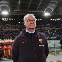 Ranieri off to a winning start as 10-man Roma maintain Champions League push