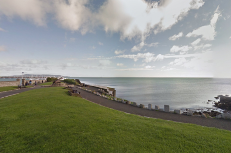 The sea front along the Queen's Road, Dún Laoghaire