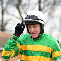 Barry Geraghty hospitalised after fall at Aintree