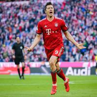 Lewandowski the star as Bayern annihilate Dortmund to go top of the Bundesliga